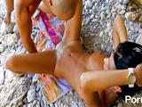 Sexy hottie in hardcore beach pounding in public
