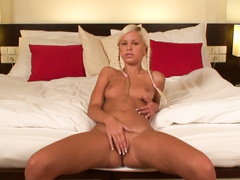 Lonely sweetheart reaches orgasm in the bedroom