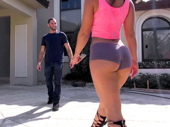 Good Samaritan brings Kelsi Monroe home and XXX reward waits for him