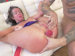 Stud analyzed shocked whore Veronica Avluv till her asshole gapes