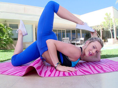 Cheating wife Mia Malkova wasn't ready for accosting but allows neighbor to touch her