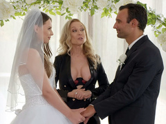 Lovelace figures out a way to make it with bride Jillian Janson and mom Nina Hartley