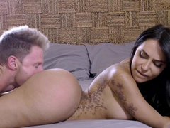 Happy sex partner buries face into Lela Star's gigantic buttocks