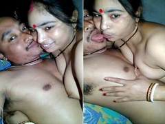 Desi Cheating Wife Romance With Deaver while Hubby Not in Home