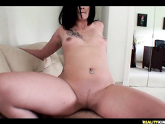 Kinky brunette babe Nakiah earns cash witth pussy